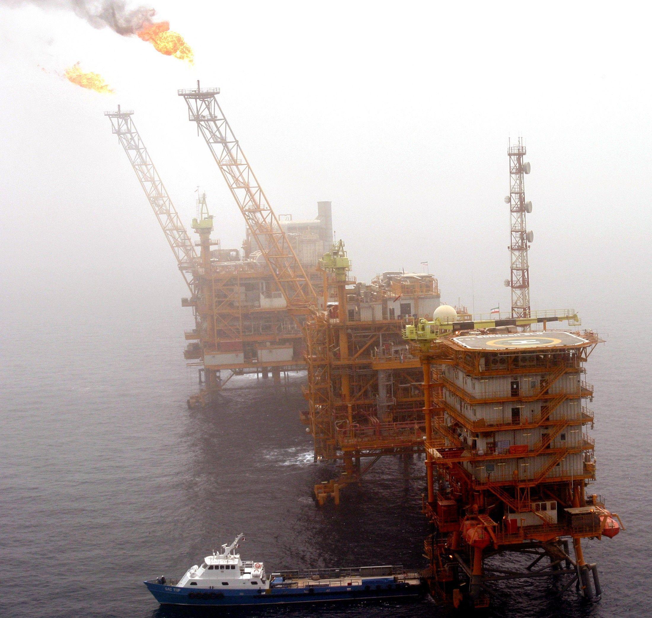 2005-07-25T120000Z_1078828247_RP6DRMULCZAA_RTRMADP_3_IRAN-OIL