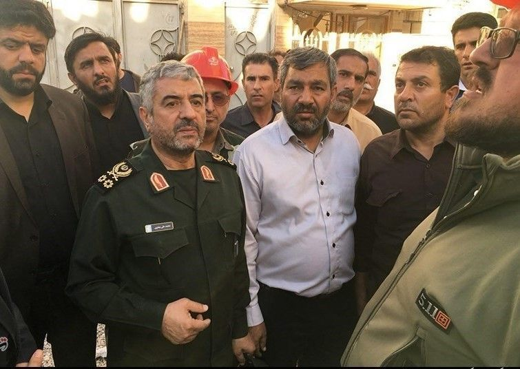 Visit_of_General_Mohammad_Ali_Jafari_of_the_Kermanshah_Earthquake_Zone_03