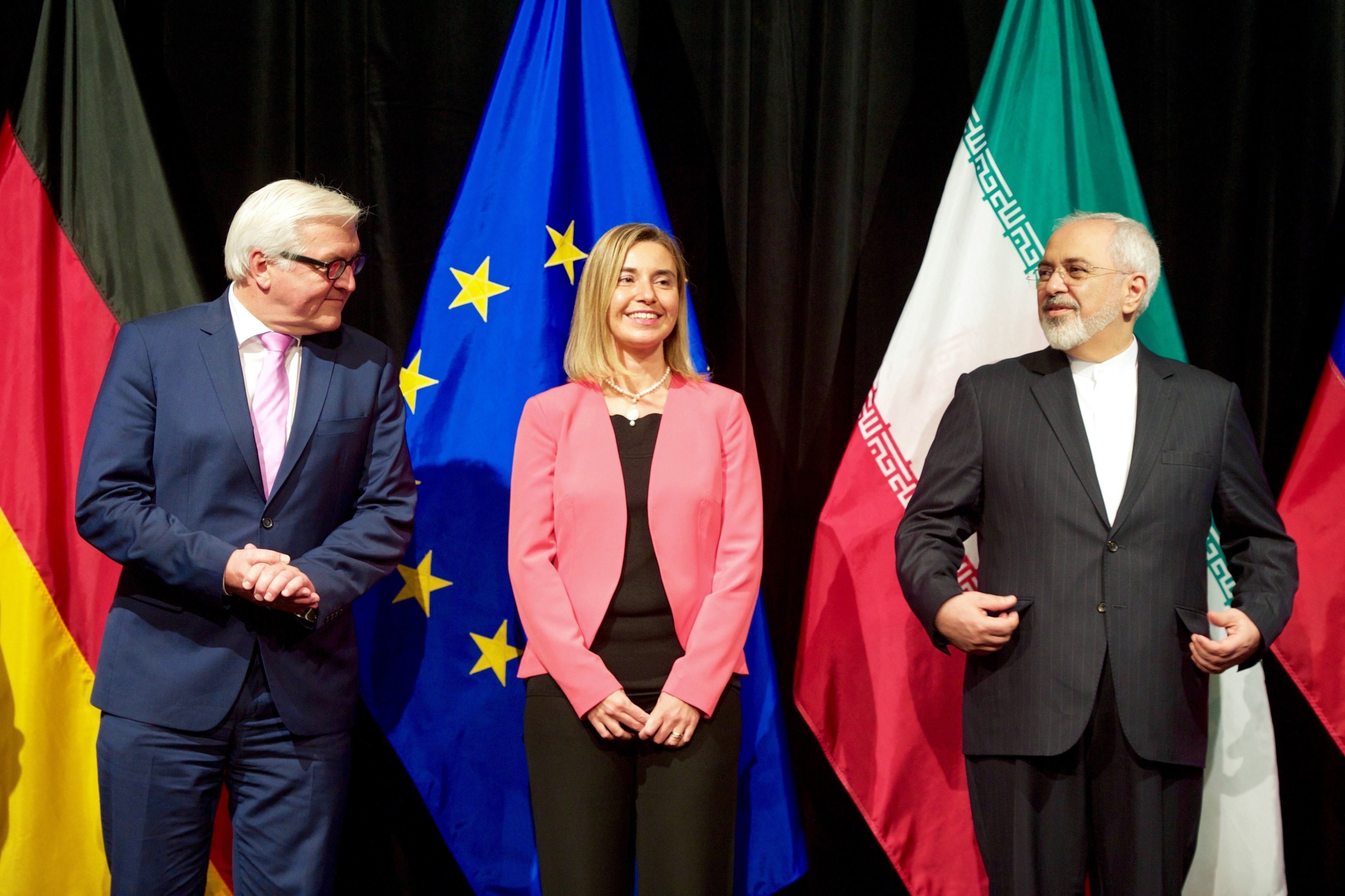 German_Foreign_Minister_Steinmeier_EU_High_Representative_Mogherini_and_Iranian_Foreign_Minister_Zarif_Stand_for_a_Group_Photo_After_EU_P51_Reached_Iran_Nuclear_Agreement_in_Austria