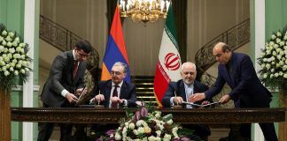Mohammad Javad Zarif signs documents with Armenian Foreign Minister Zohrab Mnatsakanyan