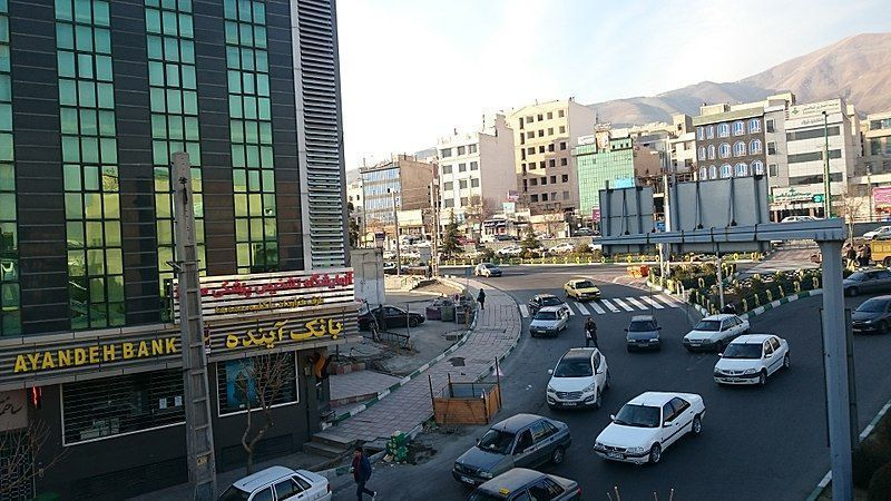 800px-Bank_Ayandeh_-_4divari_-_panoramio