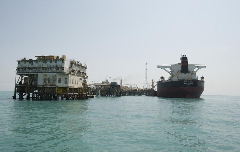 Basra-port-oil-and-gas-tankers492