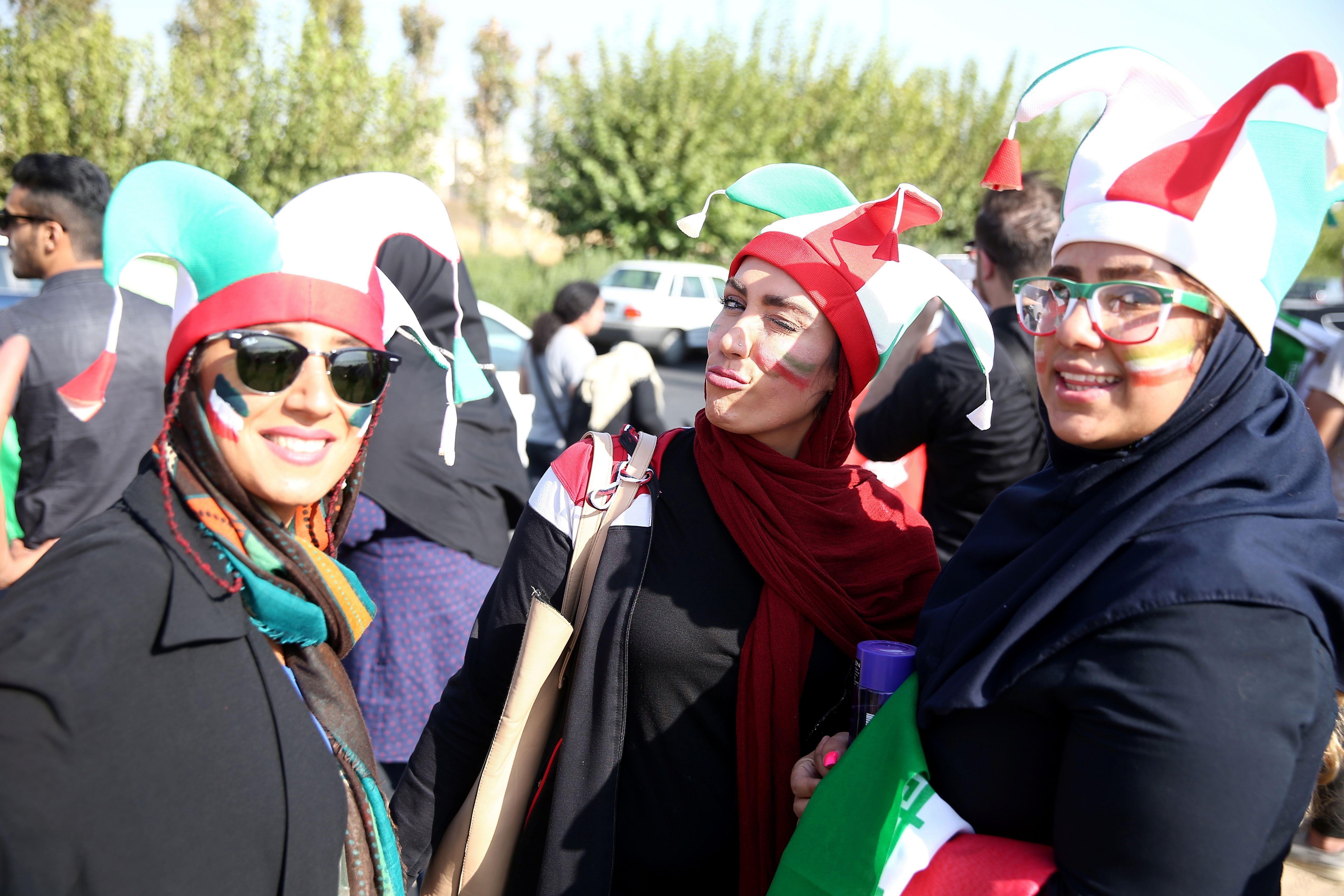 2019-10-10T141933Z_597092567_RC186EB6FA30_RTRMADP_3_IRAN-SOCCER-WOMEN-1