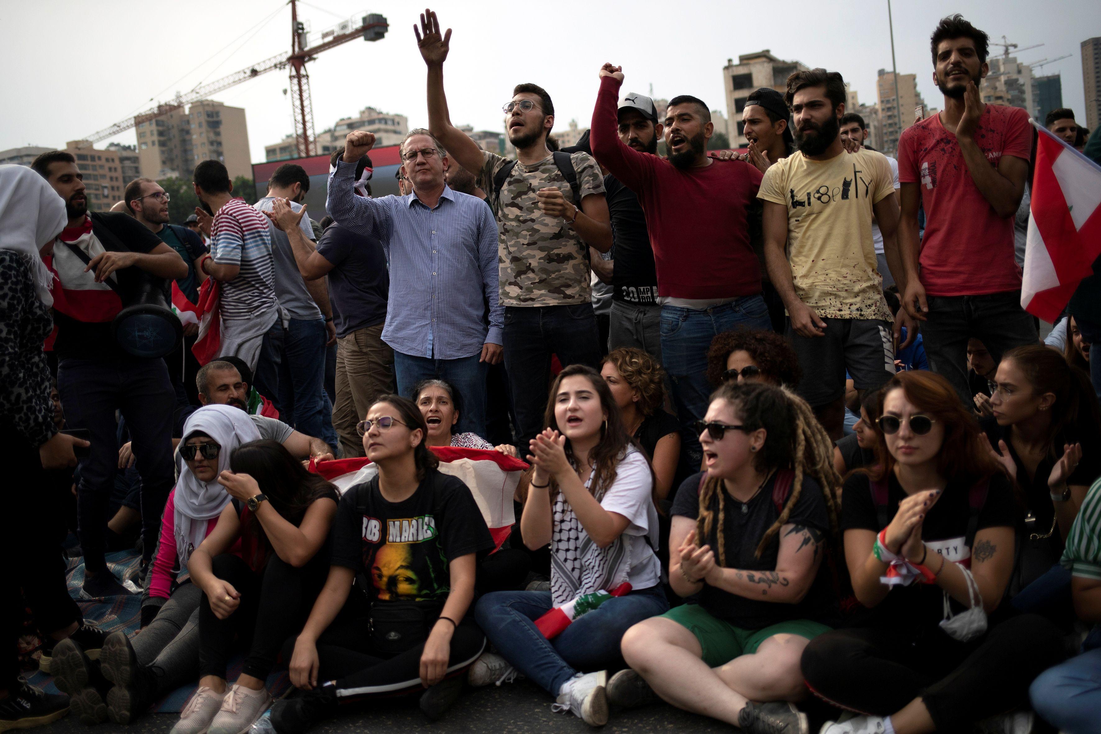 2019-10-26T143134Z_1429379172_RC1A4E2B8460_RTRMADP_3_LEBANON-PROTESTS
