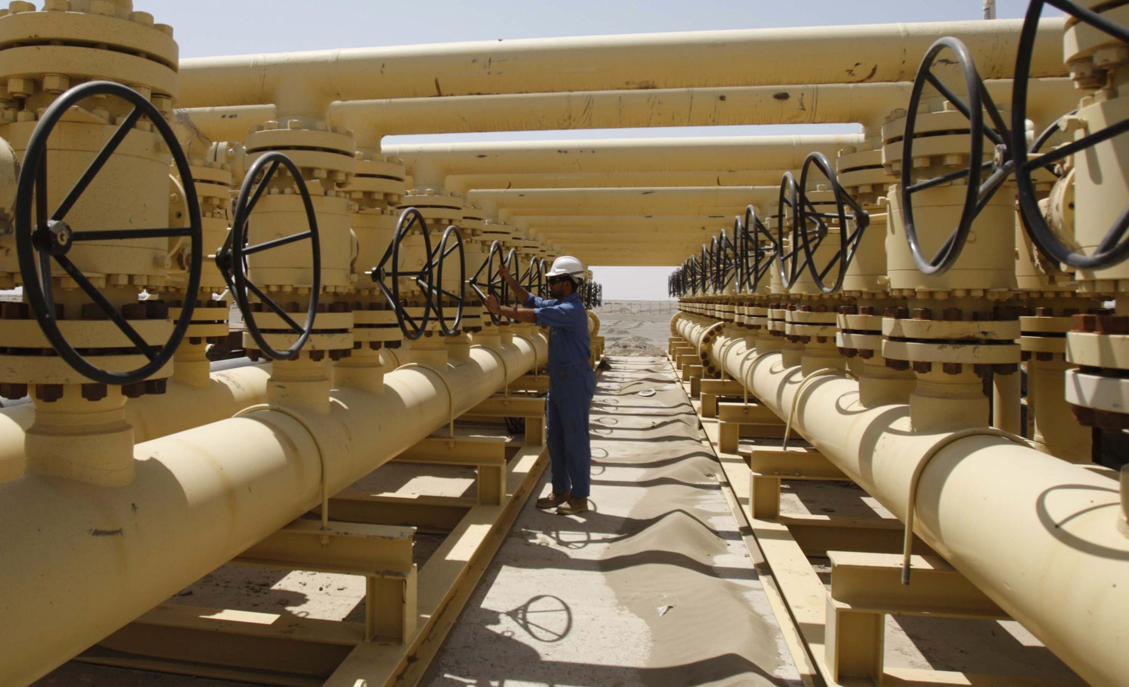 2012-09-11T000000Z_853189695_GM1E89C03NX01_RTRMADP_3_ENERGY-IRAQ-PRODUCTION