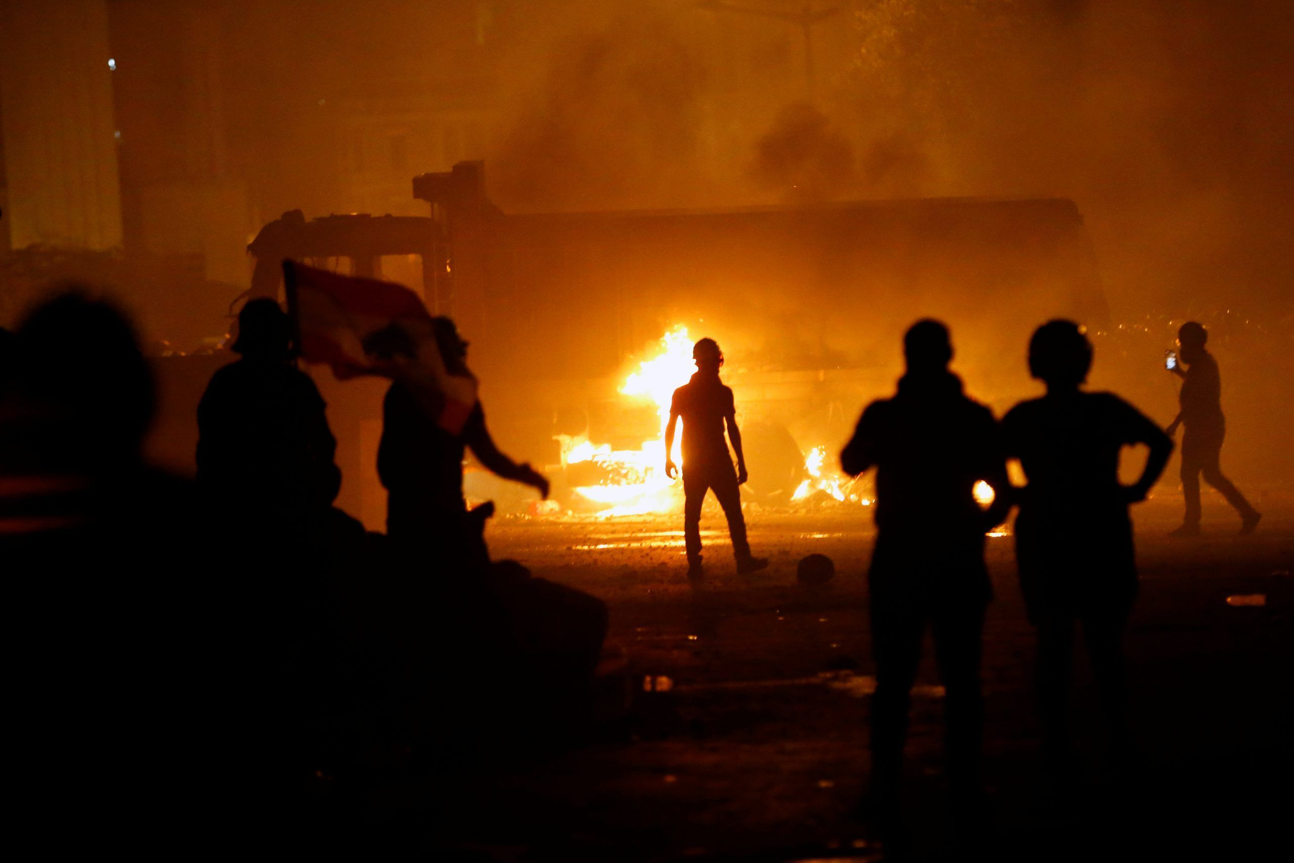 2020-08-08T193223Z_1155392955_RC2V9I9AMZ9I_RTRMADP_3_LEBANON-SECURITY-BLAST-PROTESTS-scaled
