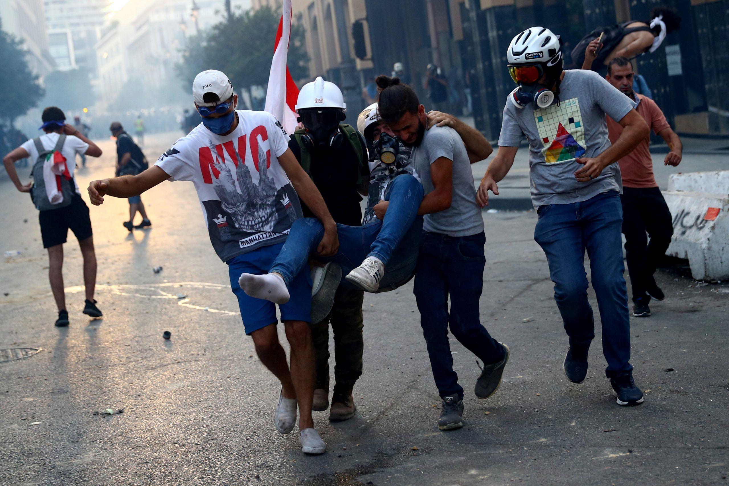 2020-08-10T172202Z_1075441757_RC24BI97F096_RTRMADP_3_LEBANON-SECURITY-BLAST-PROTESTS-scaled